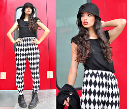 Aquarela FC - The Sunset Style 20's Glam Hat, H&M Basic Black Tee, Forever 21 High Weisted & Printed Pants - Classic elegance... B&W