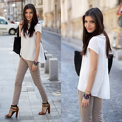 Larisa Costea -  - Business casual