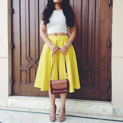 Style Destino - Stella Mccartney Grace, Asos Midi, Zara Crop, Steve Madden Gold - Summer of Yellow and Crop Top