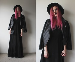 Jacqueline Illoz - Romwe Dress, Romwe Leather Jacket, Oasap Bag, Oasap Hat, Dr. Martens Jadon Boots - Your best nightmare