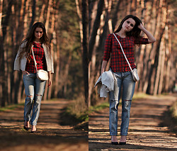 Veronica Bolomsa - Motivi Jacket, Veronica Bo Top, New Look Shoes - Forest Calmness