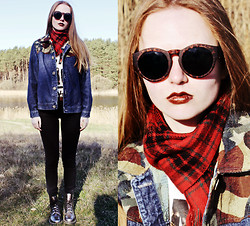 Kristina Magdalina - Oasap Sunglasses, Dr. Martens Boots, Vintage Jacket - Beautiful day on nature)