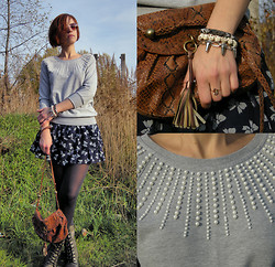 "Galina ""Mossska"" Pokhyla - New Look Terry Jumper With Beads, Ebay Skulls Rivets Bracletes, Second Hand Snake Printed Bag, Dark Blue Skirt With Bows, Ebay Vintage 60s Round Gradient Tea Lens Golden Frame Sunglasses - #59 I still see the bows"