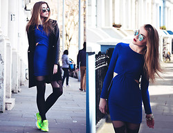 Gabriela Karbowska - Nike Air Max Thea, Topshop Dress, Wendybox Coat - LONDON outfit