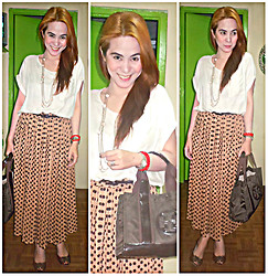 Lowella rinna B. - Local Store In Tokyo Polkadots Maxi Skirt, Tory Burch Bag - Going Neutral