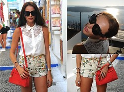 Katia Peneva - H&M Shirt, Citizens Of Humanity Shorts, Furla Bag, Céline Sunnies - Mykonos