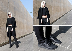 Sietske L -  - All black everything