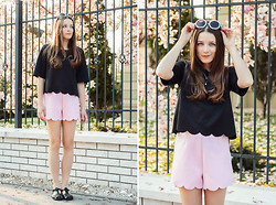 Emma Istvanffy - Frontrowshop Blouse, Pull & Bear Jelly Shoes, Frontrowshop Shorts, Zerouv Sunnies - Scalloped