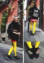 AMINTA ONLINE - We Love Colors Tights, Thrifted Vintage Coat, Asos Backpack - BOOM!!