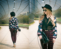 Olga Choi - Sheinside Bomber, Zerouv Glasses, Inzi Bag, Topshop Shoes, Mixxo Pants - Florals