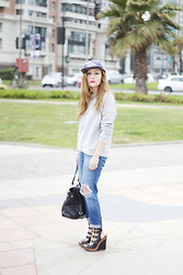 Constanza   Pamela F - Topshop Boyfriend Jeans, Topshop Grey Knitted Quilted Sweat - 02.04.14