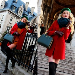 Leggy Christa -  - French beret