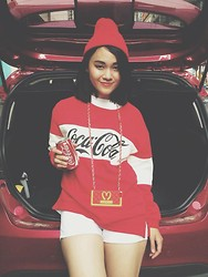 DK Hongan - Moschino Iphone Case, Ford Fiesta, Forever 21 Short - CocaCola