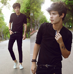 Vini Uehara - Mavi T Shirt, Mavi Pants - Tell me what you know about dreams