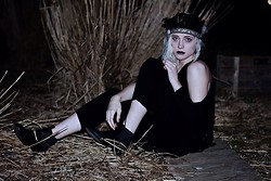 Destiny Millns - Headdress - Coven