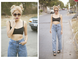 Caroline Escoch - Levi's® Jeans, Bershka Top, Zara Shoes - 90s