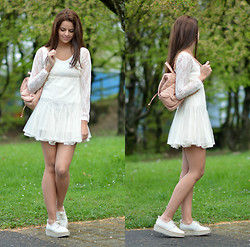 Saskia Ciliberto - Chic Wish White Dress, Zara Trafaluc Shoes, Asos Pink Backpack - Spring I'm waiting for you!