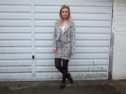 Courtney Melville - Select Fashion Blazer, Tesco Top, Select Fashion Skirt, Topshop Shoes - So you wanna play with magic
