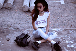 Vu Thien - High Heels Suicide Dead And Horny Tank, Thrift Store High Jeans, Persun Sunglasses - DEAD INSIDE