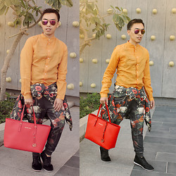 Valentino Jasmin - Zara Chino Shirt, Mango Floral Coat, Zara Jogger, Rollies Dessert Shoes, Michael Kors Tote Bag - Dangerous Bloom