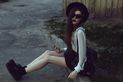 Violet Ell - Thrift Store Hat, Thrift Store Leather Backpack, Ray Ban Sunglasses, Underground Creepers - 08.05.2013