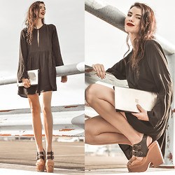 Elle-May Leckenby - Z.Hound Gold And Black Clutch, Lilya Black Dress, Gee Wa Emma - Not coming down