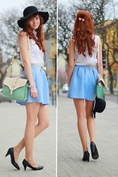 Paulina Różycka - Hat, Bag - Blue skirt