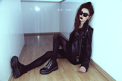 Violet Ell - Acne Studios Leather Jacket, Ray Ban Sunglasses, Boots - 05.04.2014