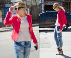 Liat Neuman - Bcbg Jacket, River Island Peplum Top, Urban Outfitters Jeans - Spring has arrived