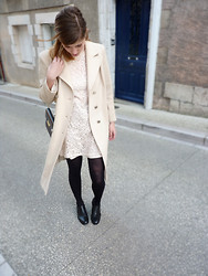 Agathe Charis - H&M Dress, Vintage Manteau, Vintage Bag, Eden Low Boots - BEIGE