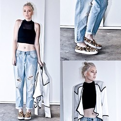 Holly Waanderland - Neon Hart Crop, Miss Shop Boyfriend Jeans, Wish Blazer, Windsor Smith Slides - Sharp Wish