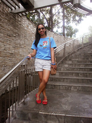 Aileen A. - What Women Want Clubmaster, Gifted Blue Mario Tee, Tommy Hilfiger Striped Shorts, Random Bracelets, Parisian Camel Satchel, Solemate Red Mary Janes - Keep On Running