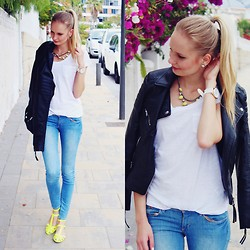 Madara L - H&M Leather Jacket, H&M Simple T Shirt, H&M Light Blue Jeans, Bershka Neon Yellow Sandals - Canary islands- outfit #3