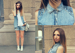 Chelsea Stone - Mango Blazer, 7 For All Mankind Shorts, Converse Shoes - Denim on Street