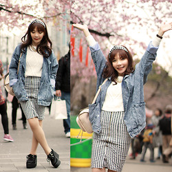 Prisca E. - H&M Sweater & Neckace, Topshop Backpack, Gingham Hairband - Hanami•Ueno Park 上野公園•花見