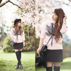 Ivy Xu - Simple Et Chic Top, Chanel Bag, Zara Skirt, Balenciaga Boots - CHERRY BLOSSOM