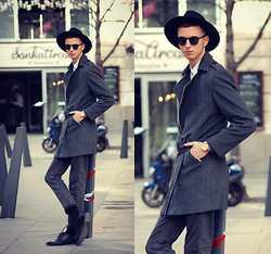 Chaby H. - Tailor4less Self Designed Coat, Black Hat, Triwa Rose Gold Watch, H&M Leather Shoes - HAT UP!
