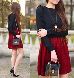 Ariadna Majewska - Frontrowshop Black Crop Chiffon Ruffled Blouse, Sheinside Burgundy Lace Dress, Choies Small Tweed Bag With Chain, Frontrowshop Black Pumps, L.O.L.A Watch Necklace - Vintage dream