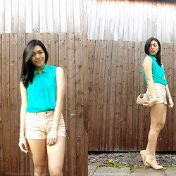 Mariz - H&M Top, H&M Shorts, Kultura Bag - Best Day of My Life