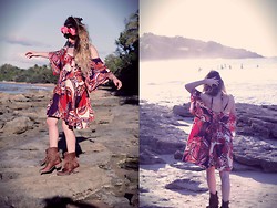 Alexe Bec - Doll Poupée Flower Crown, Hudson Boots - Golden hour on the beach.