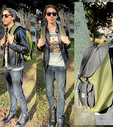 Mateo Gómez - Herschel Backpack, Dr. Martens Boots - I'm coming at you, like a dark horse