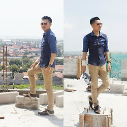 Geri Leofan - Formal Shoes, Chino Pants, Shirt, Retro Glasses - The Luxton Project