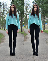 Viiktorijj - Stradivarius Crop Top, Pull & Bear And Jeans - Simple colors