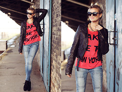 La Leonella - Conleys Black Leather Jacket, Tommy Hilfiger Jeans, Headhunter Like Sweater, Urban Outfitters Sunglasses - Take me to New York!