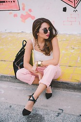 Daniela Ramirez - Ted Baker Bag, Frontrowshop Boyfriend Jeans, Sole Society Sunglasses, Leopard Watch, Frontrowshop Chain Necklace - Pink boyfriend jeans <3