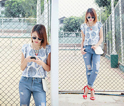 Danika Rio Navarro - H&M White Bag, Stradivarius Heels, Nava Denim Pants - Blue Leaves