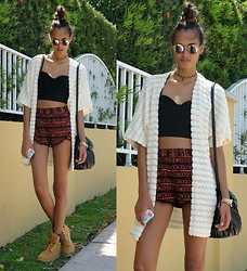 Gizele Oliveira - 2b Bebe Top, Forever 21 Shorts, Forever 21 Kimono, Urban Outfitters Bag, Timberland Boots, Urban Outfitters Sunglasses, Haati Chai Anklet Used As Choker - Red, black and white