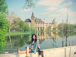 Nam Cheah - Topshop Beige Suede Brogue, Forever 21 Tie Dye Dress, Hollister Grey Cardigan, Bershker Brown Leather Jacket, Guess? Sunglasses - Sleeping beauty castle