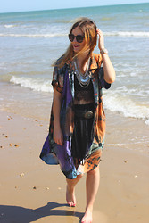 Leigh Travers - Urban Outfitters Sunglasses, Vintage Tie Dye Shirt, Vintage Skirt - BOURNEMOUTH BEACH