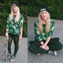 Tiphany Ruggeri - Romwe Weed Jumper, Converse, Brandy Melville Usa Cool Beanie - Smoke weed everyday